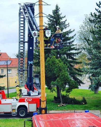 Maibaumstellen-Moritzburg-1.Mai-2021